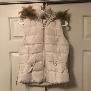 NWOT Cream Vest With Removable Faux Fur Hood